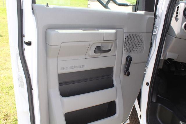 2019 Ford E450 26 Passenger Starcraft Shuttle Bus *Under Warranty* Irving, Texas 54