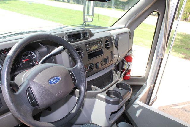 2019 Ford E450 26 Passenger Starcraft Shuttle Bus *Under Warranty* Irving, Texas 56