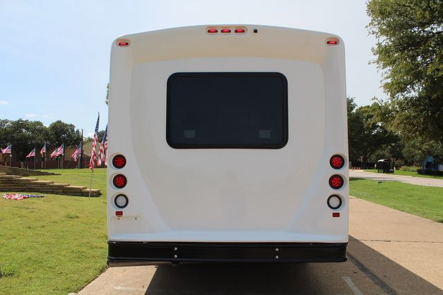 2019 Ford E450 26 Passenger Starcraft Shuttle Bus *Under Warranty* Irving, Texas 7