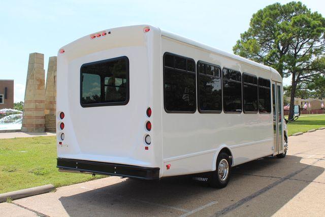 2019 Ford E450 26 Passenger Starcraft Shuttle Bus *Under Warranty* Irving, Texas 8