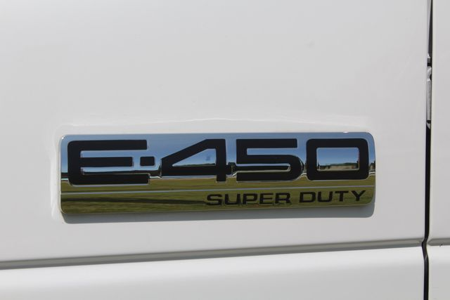 2019 Ford E450 26 Passenger Starcraft Shuttle Bus *Under Warranty* Irving, Texas 60