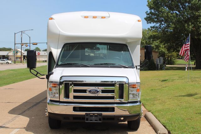 2019 Ford E450 26 Passenger Starcraft Shuttle Bus *Under Warranty* Irving, Texas 61