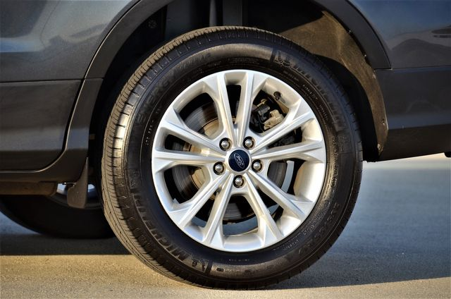 2019 Ford Escape SE *SALVAGE TITLE* in Reseda, CA, CA 91335