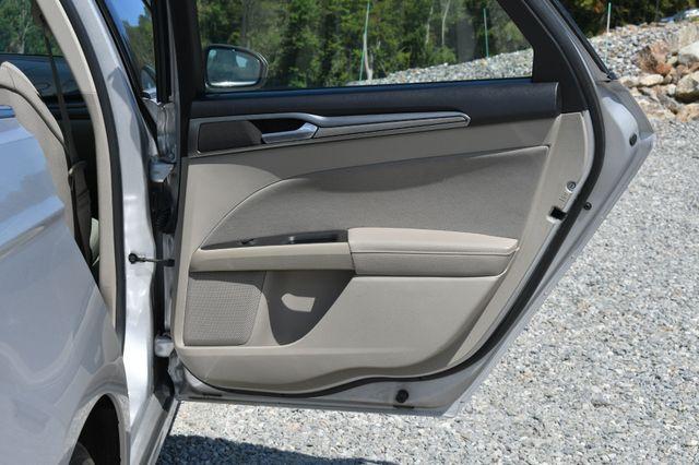 2019 Ford Fusion Hybrid SE Naugatuck, Connecticut 10