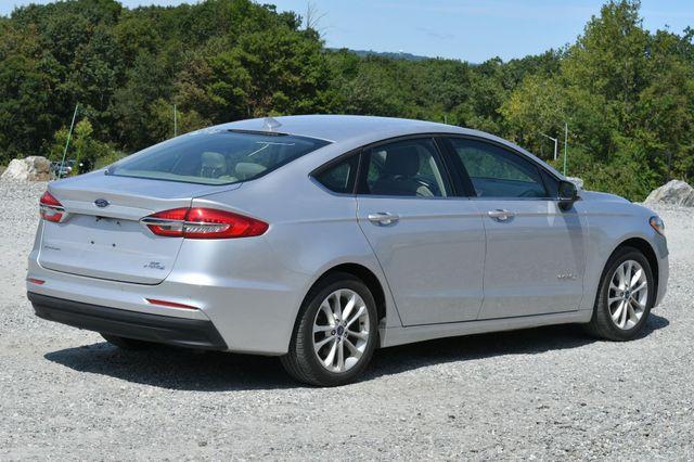 2019 Ford Fusion Hybrid SE Naugatuck, Connecticut 4