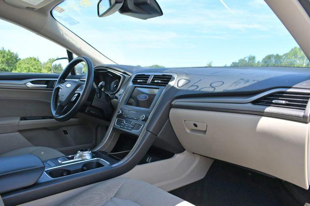 2019 Ford Fusion Hybrid SE Naugatuck, Connecticut 8