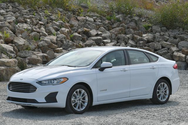 2019 Ford Fusion Hybrid SE Naugatuck, Connecticut
