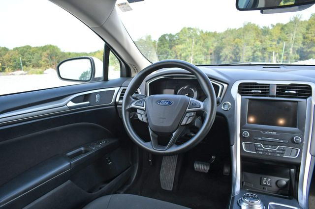2019 Ford Fusion Hybrid SE Naugatuck, Connecticut 13