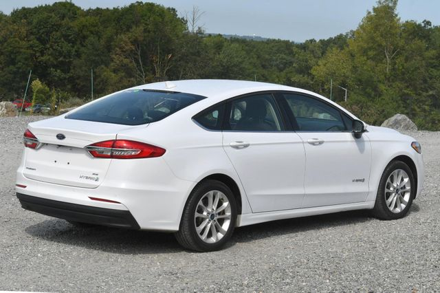 2019 Ford Fusion Hybrid SE Naugatuck, Connecticut 4