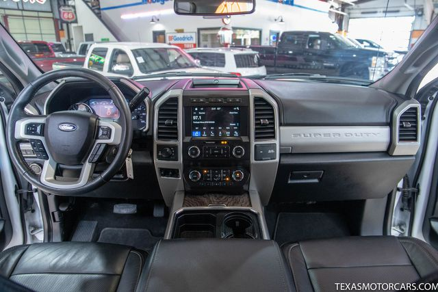 2019 Ford Super Duty F-250 Pickup LARIAT in Addison, Texas 75001