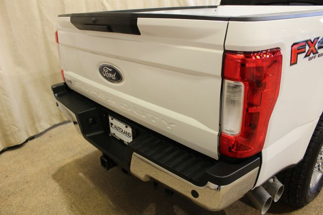 2019 Ford Super Duty F-250 Pickup XLT in Roscoe, IL 61073