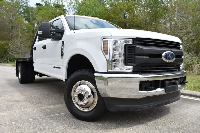 2019 Ford Super Duty F-350 DRW Chassis Cab XL