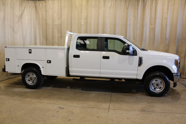 2019 Ford Super Duty F-350 utility 4x4 XL in Roscoe, IL 61073