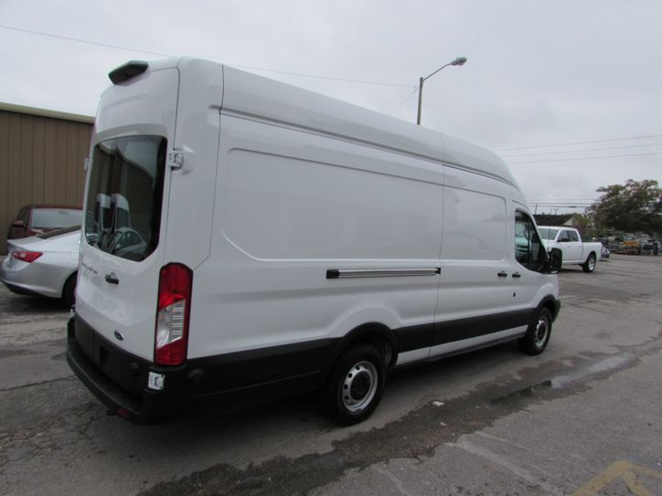 Ford transit extended cargo van