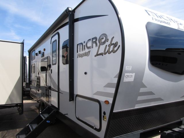 2019 Forest River FLAGSTAFF MICRO LITE FLT25BRDS Albuquerque, New Mexico 11