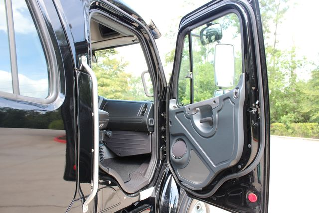 2019 Freightliner M2 - SportChassis RHA SportChassis Luxury Ranch Hauler CONROE, TX 23