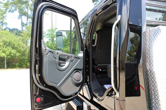 2019 Freightliner M2 - SportChassis RHA SportChassis Luxury Ranch Hauler CONROE, TX 31