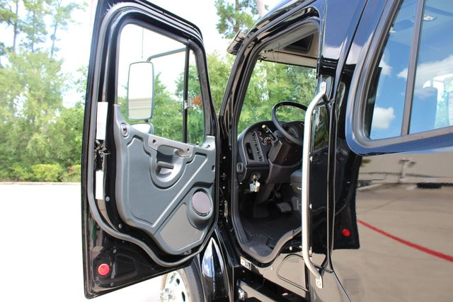 2019 Freightliner M2 - SportChassis RHA SportChassis Luxury Ranch Hauler CONROE, TX 34
