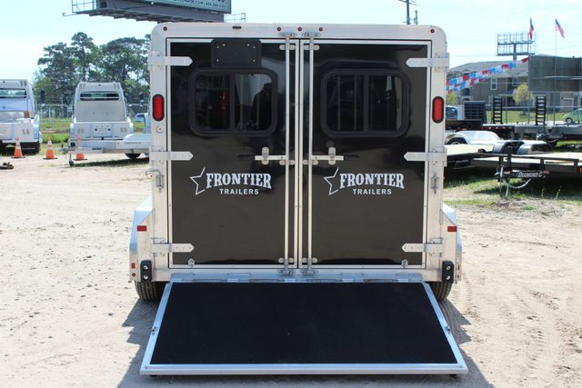 2019 Frontier LOW PRO - PEN SYSTEM 7'x12'X6'T STOCK W 4 STALL ADJUSTABLE PEN SYSTEM CONROE, TX 13