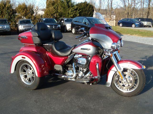 2019 Harley-Davidson FLHTCUTG TRIGLIDE in Ephrata, PA 17522
