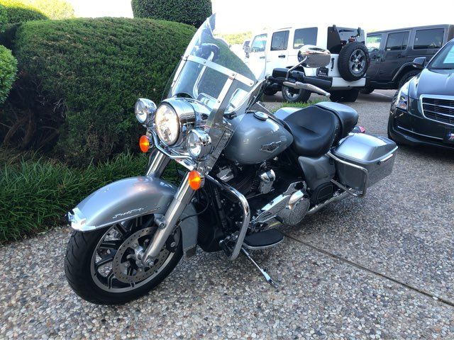 2019 Harley-Davidson Road King in McKinney, TX 75070