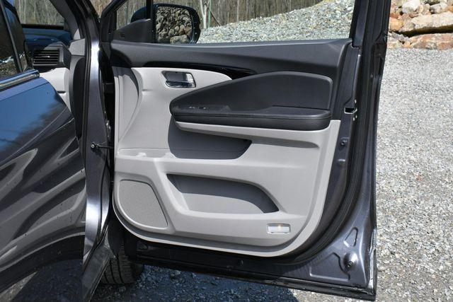 2019 Honda Pilot Touring 8-Passenger Naugatuck, Connecticut 12