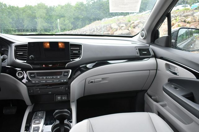 2019 Honda Pilot Touring 8-Passenger Naugatuck, Connecticut 20