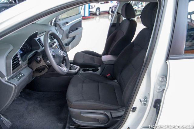 2019 Hyundai Elantra SEL in Addison, Texas 75001