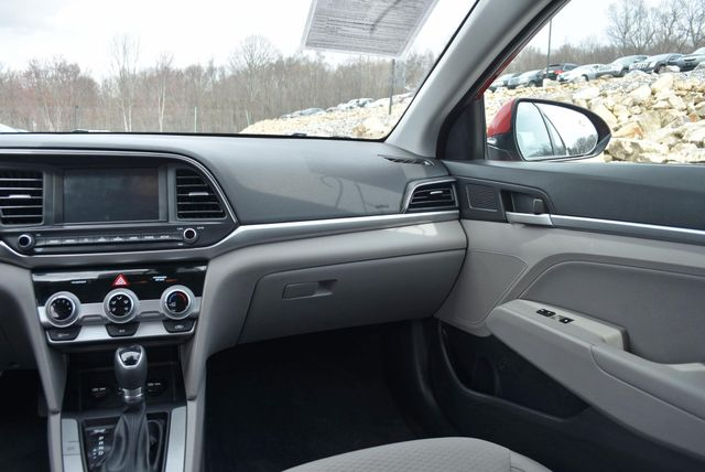 2019 Hyundai Elantra SEL Naugatuck, Connecticut 17