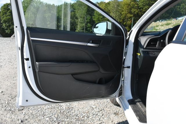 2019 Hyundai Elantra SE Naugatuck, Connecticut 18