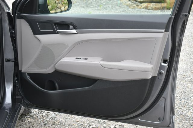 2019 Hyundai Elantra SE Naugatuck, Connecticut 12