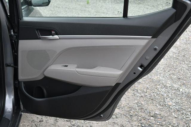 2019 Hyundai Elantra SE Naugatuck, Connecticut 13