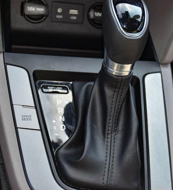 2019 Hyundai Elantra SEL Waterbury, Connecticut 26
