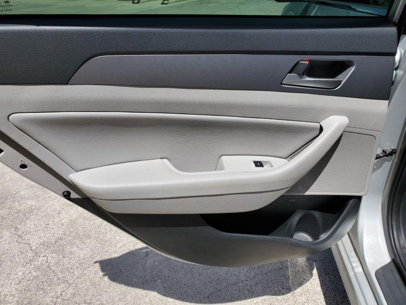 2019 Hyundai Sonata SEL  Brownsville TX  English Motors  in Brownsville, TX
