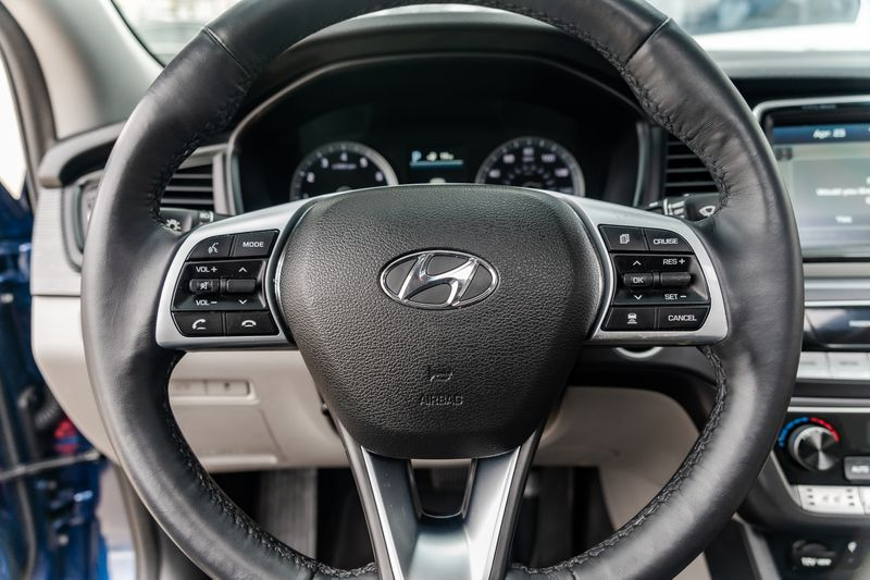 2019 Hyundai Sonata LIMITED NAV LEATHER LOADED BLUETOOTH HTD/VENT SEAT in Rowlett, Texas
