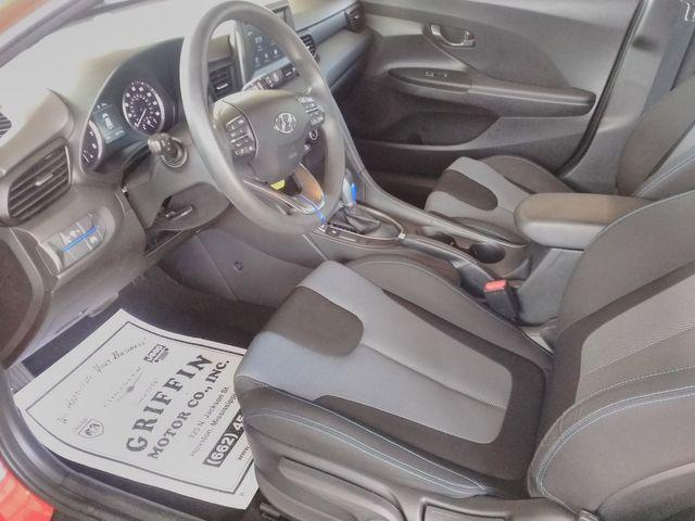 2019 Hyundai Veloster 2.0 Houston, Mississippi 8
