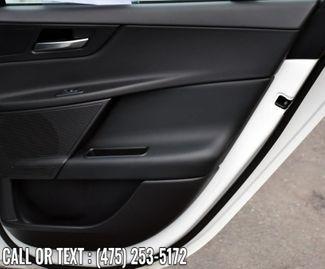 2019 Jaguar XE 25t Waterbury, Connecticut 25