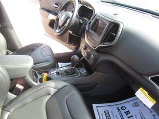 2019 Jeep Cherokee Latitude Plus Houston, Mississippi 8