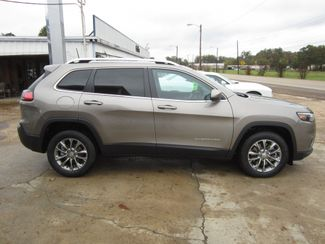 2019 Jeep Cherokee Latitude Plus Houston, Mississippi 3