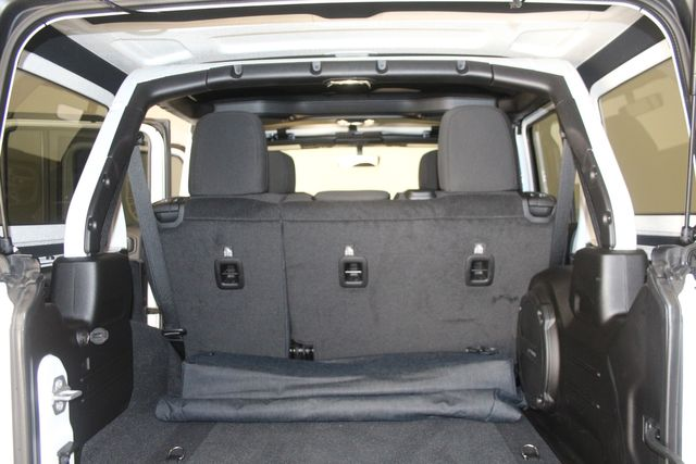 2019 Jeep Wrangler Unlimited Sahara Houston, Texas 37