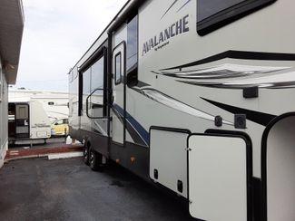 2019 Keystone Avalanche 395BH   city Florida  RV World Inc  in Clearwater, Florida