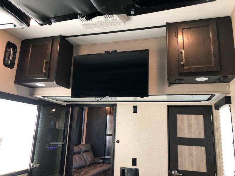 2019 Keystone Fuzion 427  in Avondale, AZ