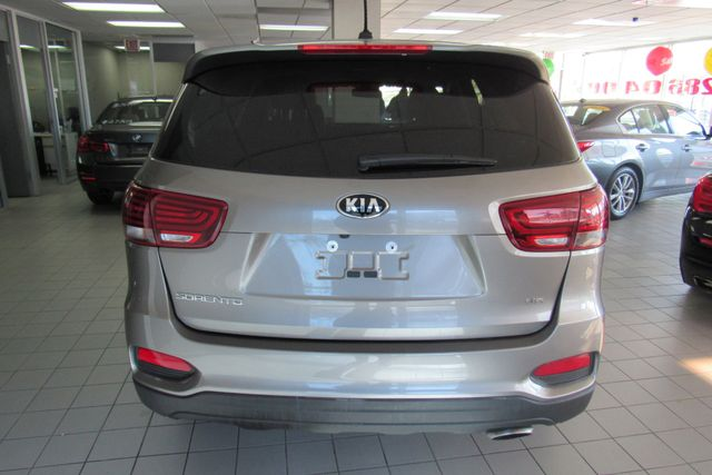 2019 Kia Sorento LX V6 W/ BACK UP CAM Chicago, Illinois 3