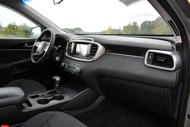 2019 Kia Sorento LX V6 AWD Naugatuck, Connecticut 11