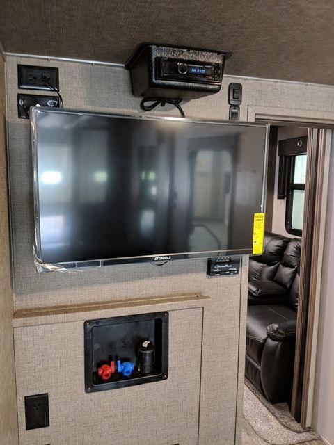 2019 Kz Venom 4111TK Mandan, North Dakota 11