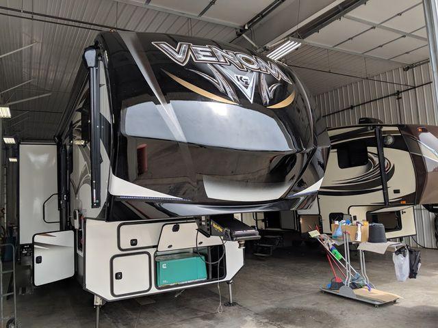 2019 Kz Venom 4111TK Mandan, North Dakota 3