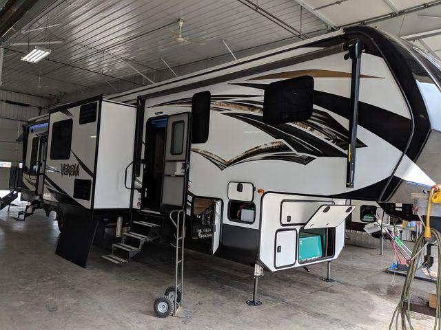2019 Kz Venom 4111TK Mandan, North Dakota 5