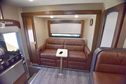 1172 Lance 2019 Truck Camper Long Bed   in Livermore, California