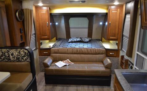1985 Lance 2019 Travel Trailer   in Livermore, California