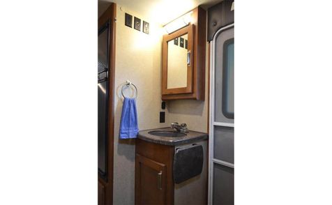 2185 Lance 2019 Travel Trailer  in Livermore, California